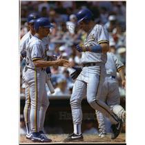 1993 Press Photo Brewers baseball's Pat Listach congratulates Tom Bruansky