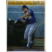 1993 Press Photo Milwaukee Brewers baseball's Tom Brunansky in action