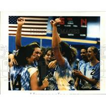 1993 Press Photo Catholic Memorial High School volleyball team celebrates win