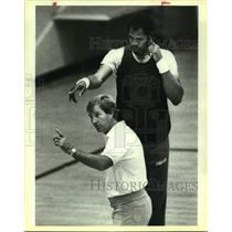 1983 Press Photo San Antonio Spurs basketball coach Morris McHone, Artis Gilmore
