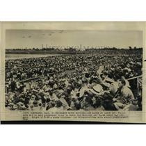1948 Press Photo thousands watch National Air Races in Cleveland - lrx01046