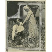 1927 Press Photo Professional Sports Player Al Simmons with his Mother