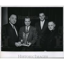 1965 Press Photo The third annual Michaelean award presented to Blaine Walsh