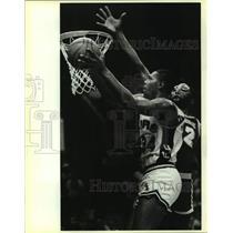 Press Photo San Antonio Spurs and Los Angeles Lakers play NBA basketball