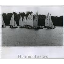 1957 Press Photo Sailboats scramble at Wisconsin Yachting association race