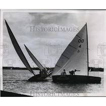 1961 Press Photo Sailboats wheel around the mark during race in Wisconsin