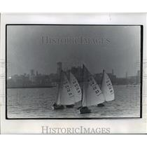 1963 Press Photo Sailboats manned by college yachtsmen race on Milwaukee harbor