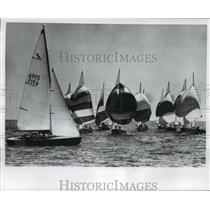 1966 Press Photo Sailboats race during Milwaukee Yacht club's P & T regatta