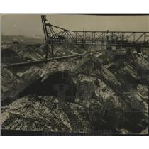 1932 Press Photo Mountains of coal in Menomonee Valley were streaked with snow.