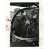 1984 Press Photo Ernie Bartlett & Amber Fleming in helicopter in Beaumont, TX