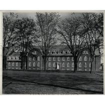 Press Photo Deleware University Squire Hall