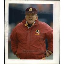 1992 Press Photo Washington Redskins football coach, Joe Gibbs - mjt04083
