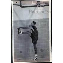 1994 Press Photo Milwaukee Bucks basketball player, Jon Barry, at practice
