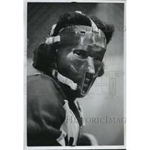 1973 Press Photo Hockey goalie John Anderson wears tribal-like mask - mjt02405