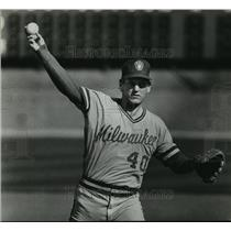 1983 Press Photo Milwaukee Brewers baseball pitcher, Bob Gibson, in action