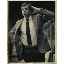 1983 Press Photo Phil Wittliff won his 100th game as Admirals' hockey coach