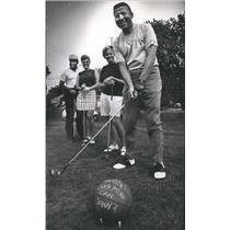 1969 Press Photo Milwaukee Bucks - John Erickson, General Manager Golfing