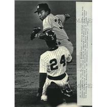 1984 Press Photo Milwaukee Brewer Ben Ogilvie slides in front of Willie Randolph
