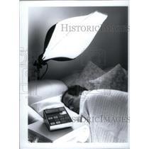 1995 Press Photo Dawn Sleep - RRX46113
