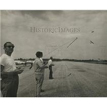 1970 Press Photo Ralph Leidner and Radio Control Flying Buffs with their Planes