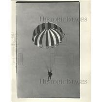1966 Press Photo Hanging Below Parachute Sky Diver Descends To Landing Zone