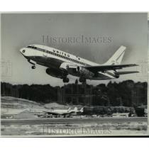 1967 Press Photo Boeing 737-200 jet sets off on maiden flight in Seattle WA.