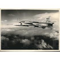 1967 Press Photo Swedish combat plane Viggen shown in flight - mjx67542