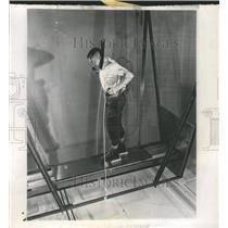 1963 Press Photo magnetic shoes - RRW46945