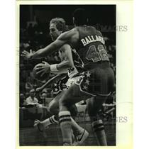1985 Press Photo NBA basketball players Marc Iavaroni and Greg Ballard
