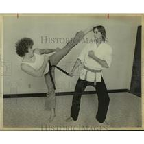 1978 Press Photo Karate instructor Steve Aschroft and student Pat Praiger