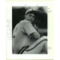 1990 Press Photo A Lee High baseball pitcher in action - sas12707