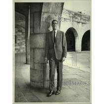 """1964 Press Photo """"Mr. Broadway"""" star, Craig Stevens - mjp39349"""