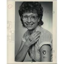 1983 Press Photo Debbie Adams displays Milwaukee Brewers tattoos - mjt04888