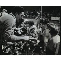 1982 Press Photo Grafton High School - Coach Kip Cramer and Football Players