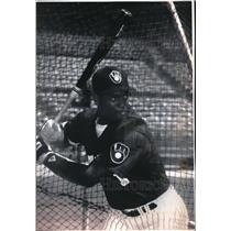 1992 Press Photo Milwaukee Brewers No.1 draft, Kenny Felder at County Stadium