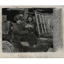 1951 Press Photo Shinn Chung Sook and members of Associated Press in Seoul