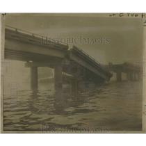 1960 Press Photo Gap in Lake Pontchartrain Causeway following barge collision