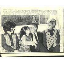 1971 Press Photo Jimmy Hoffa and girls, Barbara, Barbara Jo and wife, Josephine
