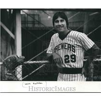 1955 Press Photo Lance Rautzhan of the Milwaukee Brewers baseball team