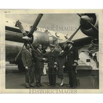 Press Photo British Officials greet first British Airways Crews to land Chicago