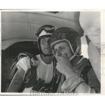 1966 Press Photo Sky Diving Instructor Phil Goetsch And Reporter Ron Haase