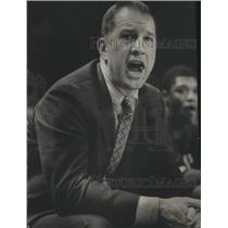 1981 Press Photo Milwaukee Bucks coach,Larry Costello, during game against Hawks