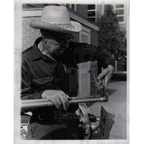 1971 Press Photo J.B. Crowley Loves Mining
