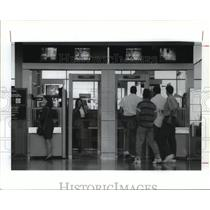 1992 Press Photo Passengers pass through security at Houston airport - hca34773