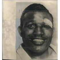 1951 Press Photo Boxer Ray Robinson still manages a smile after losing title