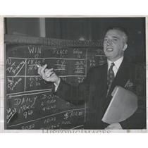 1944 Press Photo Wallach Attorney Washington Company