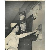 1953 Press Photo Nurse Jacquelyn McKey Olive Kugelman - RRW50481