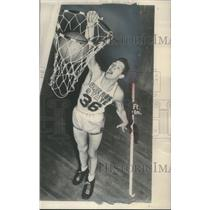"1953 Press Photo Oregon State basketball player, Wade ""Swede"" Halbrook"