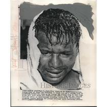 1957 Press Photo Boxer Sugar Ray Robinson loses middleweight title - mjt15310