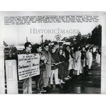 Press Photo Committee For Non-Violent Action - RRW53073